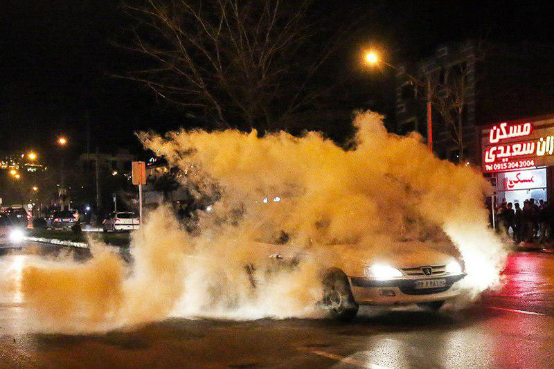 انفجار خودرو حامل مواد محترقه در اصفهان/ تصویر