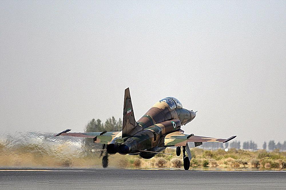 سقوط جت جنگی در استهبان فارس