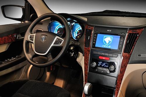 کابین خودروی دنا با موتور EF7 محصولی از شرکت ایران خودرو