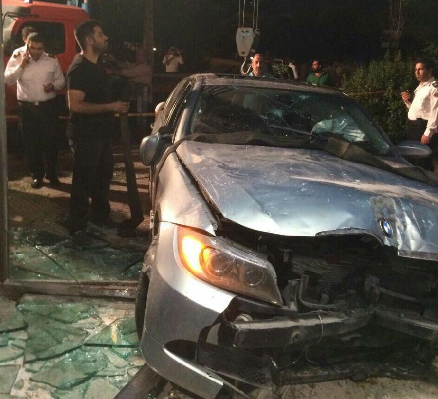 واژگونی مرگبار BMW پس از برخورد با تیر برق