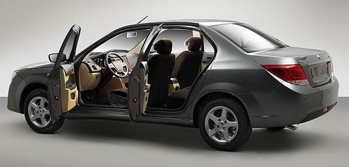 خودروی دنا با موتور EF7 محصولی از شرکت ایران خودرو
