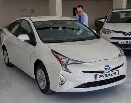 قیمت ماشین تویوتا پریوس